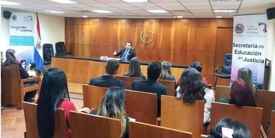 Estudiantes de Uninorte conocen función de Sala Constitucional