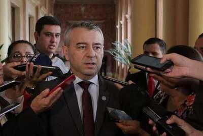 Daniel Centurión: Crisis en la región debe servir de ejemplo y minimiza manifestaciones en Paraguay