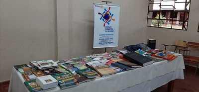 Entregan materiales de lectura al Centro Educativo Itauguá