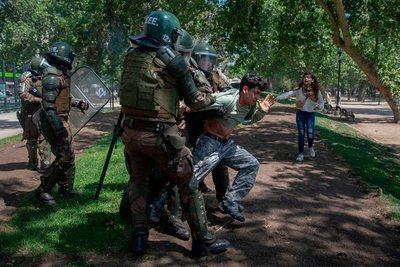 Chile: Toque de queda por cuarto día consecutivo en Santiago