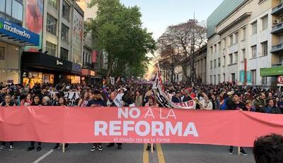 Uruguay: masiva marcha contra militarización de la inseguridad ciudadana