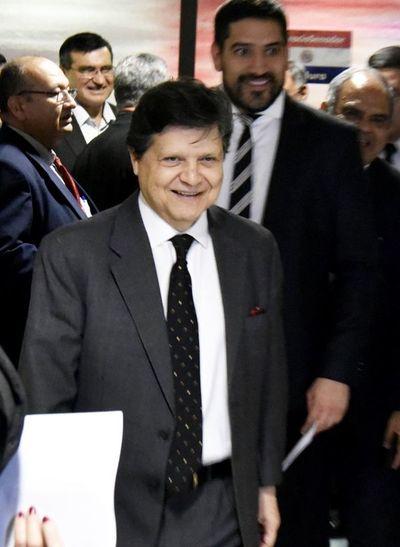 "Acevedo visitó a diputados cartistas por ""cortesía"""