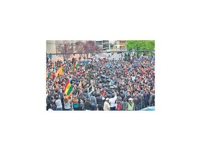 Disturbios en Bolivia ante inminente conclusión de cómputo electoral