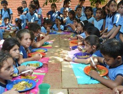 Escolares de Concepción quedan sin el almuerzo escolar desde hoy