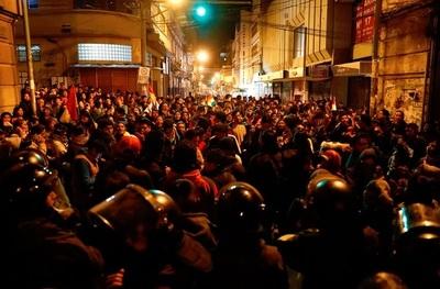 Bolivia en paró: amenazaron con desconocer a Evo Morales