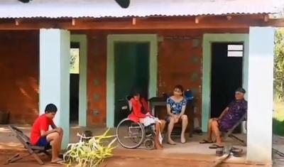 Marilina y Will presentaron la casa que construyeron para los abuelitos