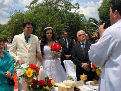 Como regalos de bodas pidieron a sus invitados donaciones para un hospital