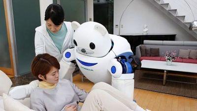 Japón pone a prueba robots como cuidadores de ancianos