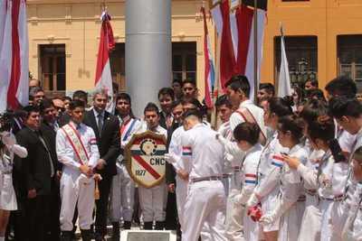 Estudiantes del CNC rindieron homenaje a estudiantes caídos en Palacio de Gobierno