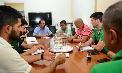 Buscan respaldo de Itaipu y del MADES para proteger la vida silvestre del Lago de la República