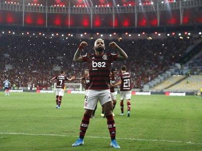 Flamengo humilla al Gremio y disputará por el cetro de América con River Plate