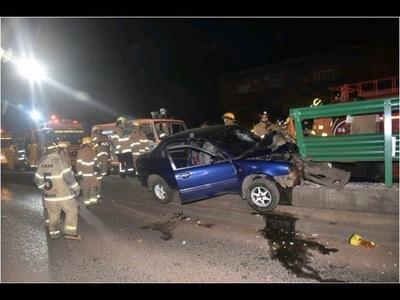 Violento accidente deja dos heridos de gravedad en Asunción