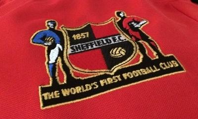 HOY / El primer club de fútbol de la historia cumple 162 años