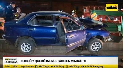 Dos heridos a causa de accidente en viaducto