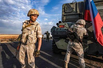 Kurdo-sirios abandonan posiciones en el noreste, rusos patrullan