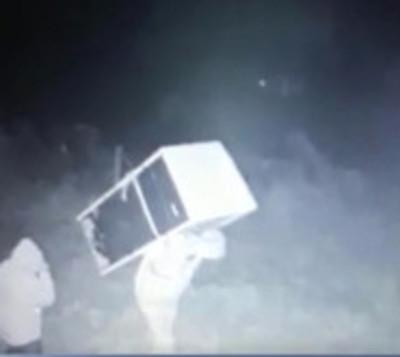 Delincuentes roban una heladera con merienda escolar de una escuela