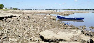Descenso del río se torna preocupante y ya pone en apuros a grandes embarcaciones