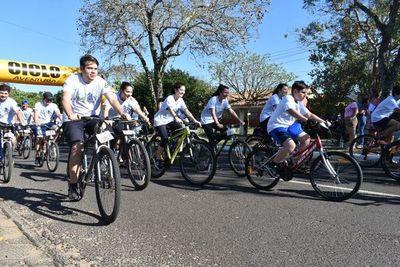 Paseo ciclístico saludable en Ayolas