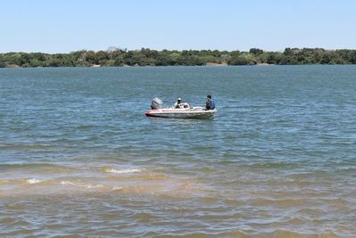 Última semana para pescar en Ayolas