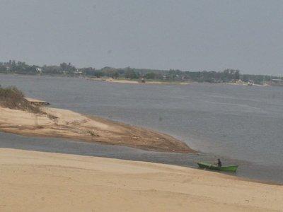 La abrupta bajante del  nivel de los   ríos  marca    inicio de veda pesquera