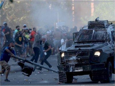 Ejército de Chile levanta toques de queda en varias zonas del país