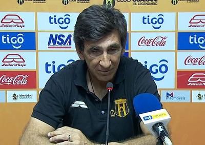 Gustavo Costas apunta a rever los errores