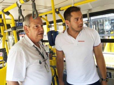 Comuna    esteña analiza oferta de buses inclusivos para  renovar  flota