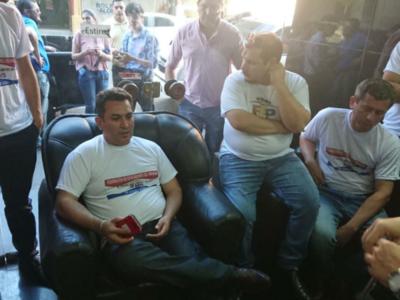 Federación de Educadores del Paraguay toma el MEC