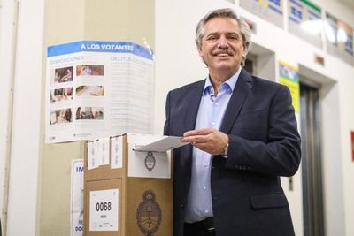 Abdo saluda a presidente electo de Argentina