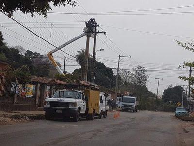 Varios barrios quedaron sin servicio eléctrico ayer