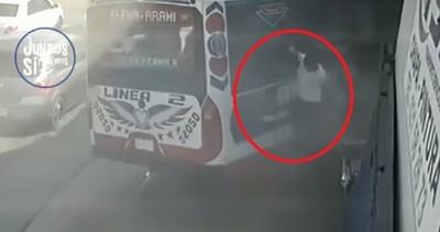 Bus estuvo a punto de causar una gran tragedia en San Lorenzo