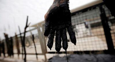 """Gobierno de Brasil hace """"todo lo que puede"""" para limpiar playas de petróleo"""