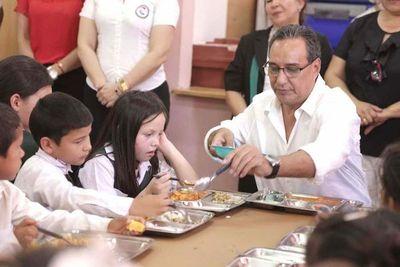 Gobernación de Central reparte el almuerzo escolar a bajo costo