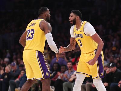 Davis encamina cómoda victoria de los Lakers