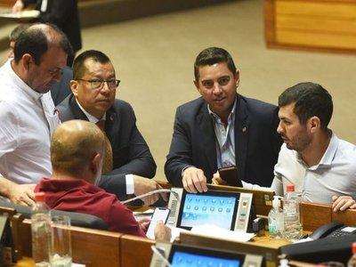 Diputados dan media sanción a ley  que deroga pensiones graciables