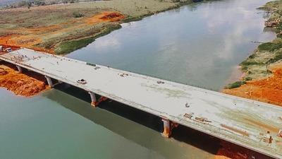 Puente entre Hernandarias-Minga Guazú no sería utilizado por falta de asfaltado