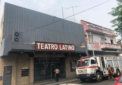 Principio de incendio se registra en el Teatro Latino