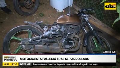 Bus arrolla y mata a motociclista sobre Acceso Sur