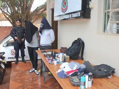 Dos chilenos sindicados como tortoleros son detenidos en CDE