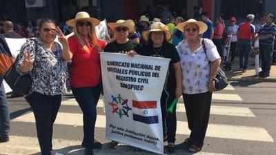 HOY / Guardiacárceles exigen respuestas al Ministerio de Justicia: aumento o huelga