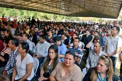 Entregan más de 900 becas a jóvenes en Misiones
