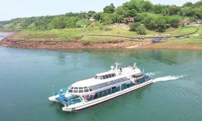 Habilitan paseos en catamarán en Franco