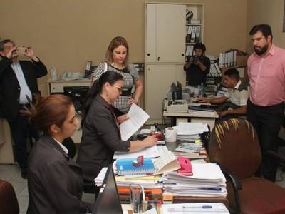 Allanamiento en la Municipalidad de Lambaré: incautan documentos que serán analizados
