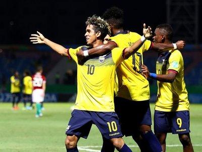 Ecuador elimina a Hungría y clasifica a octavos de final