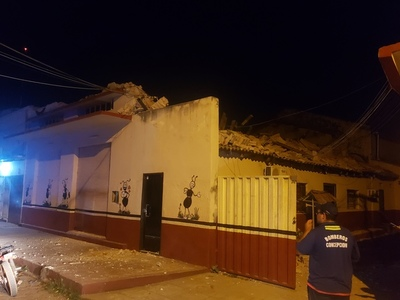Concepción: Se derrumba parte de una escuela