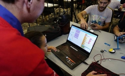 HOY / Niños y adolescentes exhibieron sus habilidades de programación en la Expo Educación
