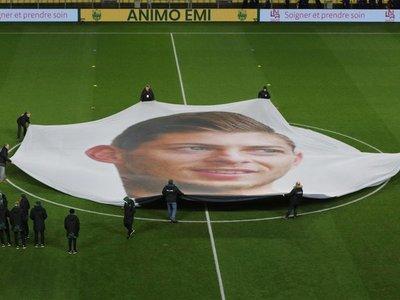Cardiff no podrá registrar jugadores si incumple plazos de pago a Nantes