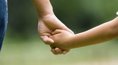 """Hay 2.000 niños/as a la espera de adopción, modificación de ley que regula """"despierta"""" tras 3 años de cajoneo"""
