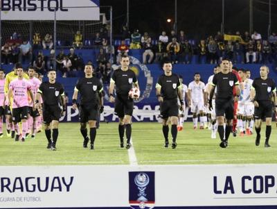 Árbitros que pitarán en semifinales de la Copa de todos