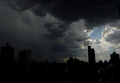 Anuncian lluvias con posibles tormentas desde esta noche